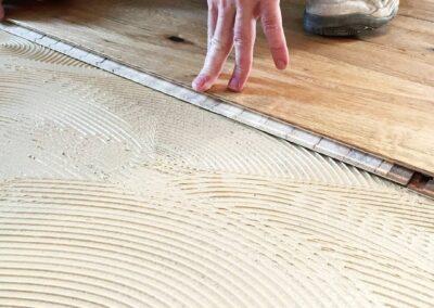 Lepená dřevěná podlaha – Realizace Praha Libeň