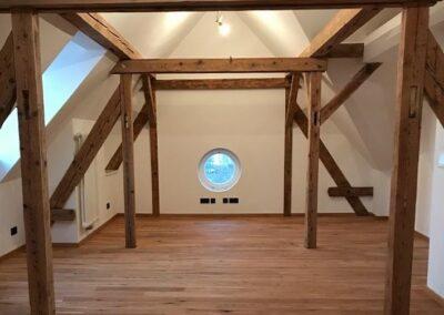 Dřevěná podlaha – realizace Praha Troja