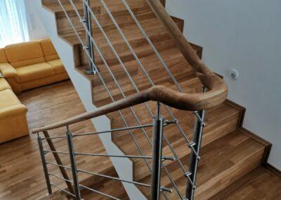 Dřevěná dubová podlaha + schodiště – realizace Velká Chuchle